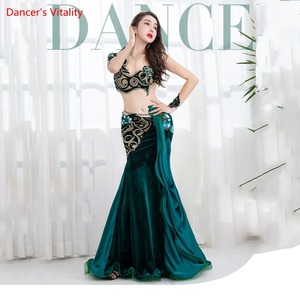Image 2 - Nouveauté 2 pièces femmes Performance danse du ventre spectacle Costume soutien gorge + jupe longue danse équipe robe vert sur mesure
