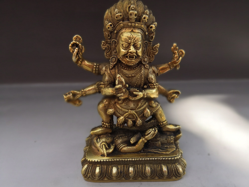 003946 Chinese Pure Old bronze Green Tara Kwan-Yin Guan