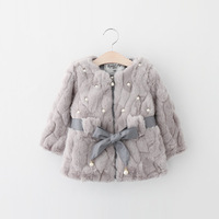 Invierno versión coreana de la ropa de los niños del comercio exterior al por mayor con incrustaciones de perlas arco cinturón niñas abrigo de piel