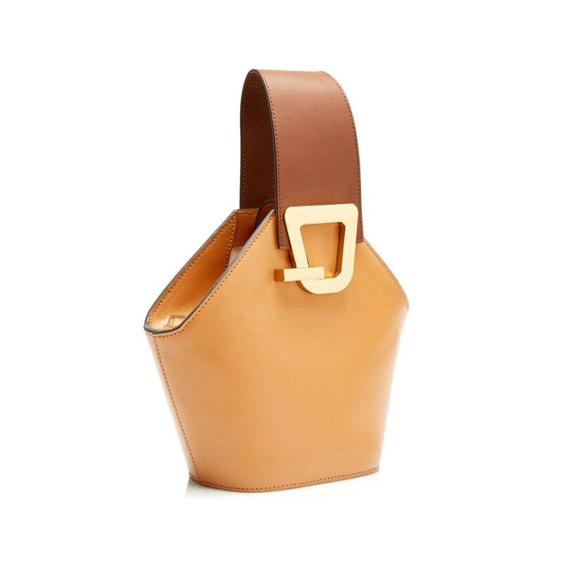 Blascher nuevo bolso de hombro ancho de cuero Paquete de cubo de diseño nuevo producto Simple Color de colisión bolso de mano para mujer LA24-in Bolsos de hombro from Maletas y bolsas    3
