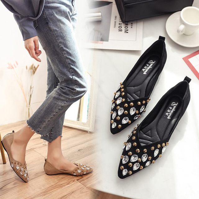 Pointed Toe Crystal Flats Stars Pattern Rivet Single Shoes Cozy Loafers  Women Flock Shallow Mocasines mujer 2018 Spring Shoes a119f8671020