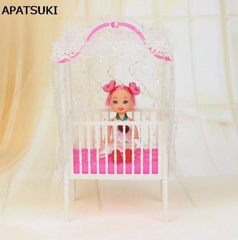 ᗗPlástico pequeño dulce bebé cuna para Barbie Niñas muñeca Muebles ...