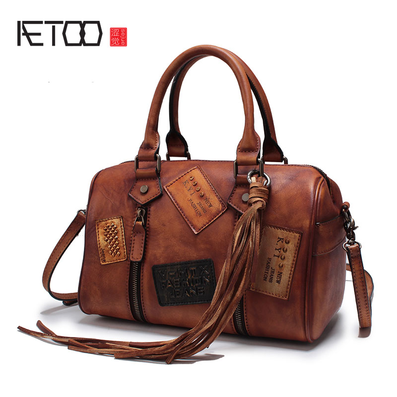 AETOO Autumn and winter new retro punk lady handmade leather rivets hand messenger bag handbags