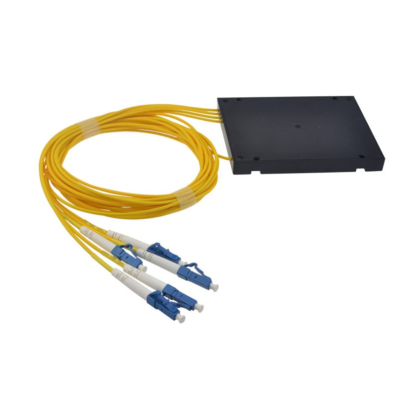 LC UPC 1x4 PLC Fiber optical splitter single mode with LC UPC connector FTTH LC 1x4 PLC ABS optic splitter box Free shipping