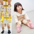 2017 Algodón de la Historieta Antideslizante Calcetines de Niño para Los Niños Recién Nacidos Del Bebé Calcetín Caliente Del Muchacho Del Niño y Niñas