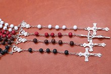 Classic 6mm perfume perfume wood Rosary Jesus cross necklace for Catholicism and