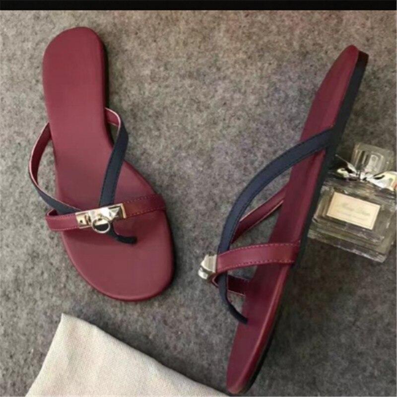 10637e6b26aa9 2017 sandales femmes de luxe designer kelly modèle plage pantoufle vache en cuir  véritable en cuir d été cool chaussures dame dans Femmes de Sandales de ...