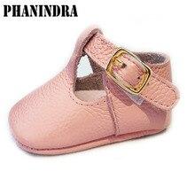 Phanindra 2018 обувь из натуральной кожи с пряжкой вставить детские Мокасины Мягкие Moccs детская Девочки новорожденных первые ходунки детские ботинки