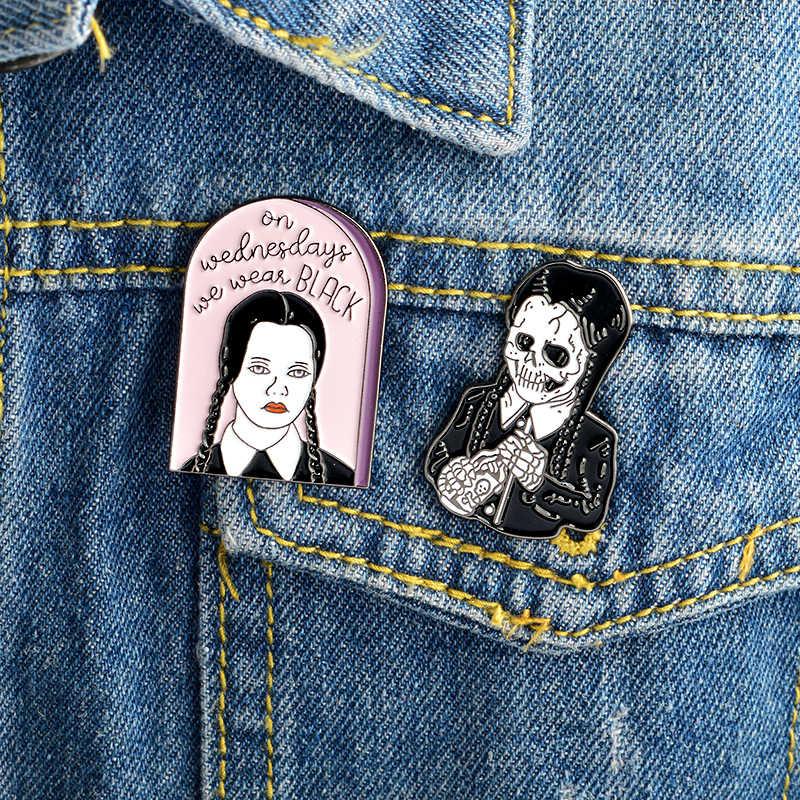Смешной жуткий в стиле «панк-Стиль Адамса из «Yo-Семья среда темное зло девушка Скелет твердым эмалиевым покрытием булавки в качестве значок для кронштейн одежда
