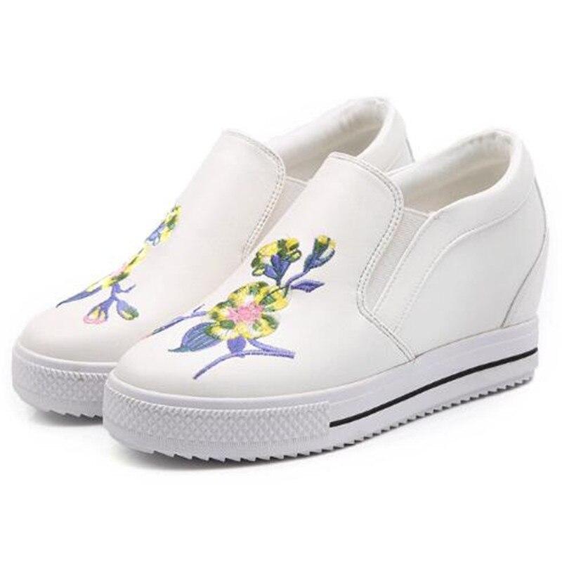 Femmes on Rétro Marche Mode Pour Fleur Broderie Rond De Dames Bout Loisirs La Chaussures white Voyage Automne Casual Les Black Sneakers Slip qw5XSgHX
