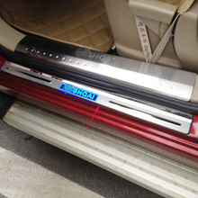 Free shipping 2008 2013 For NISSAN Qashqai door sill with led strip welcome pedal auto accessories