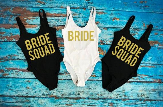 Costumi Da Bagno Personalizzati.Us 190 88 17 Di Sconto Personalizzato Sposa Squad Costumi Da Bagno Costumi Da Bagno Costume Da Bagno Damigella D Onore Della Sposa Damigella D