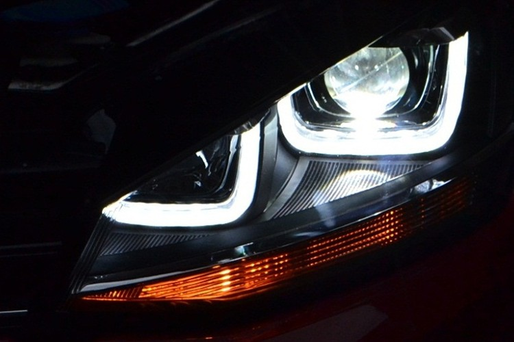 VW golf 7 headlight GTI version