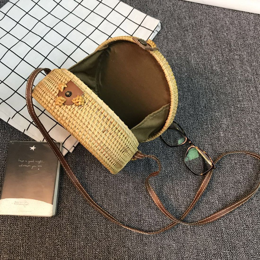 Bali Vintage Handmade Crossbody Leather Bag Round Beach Bag Girls Circle Rattan bag Small Bohemian Shoulder bag 3