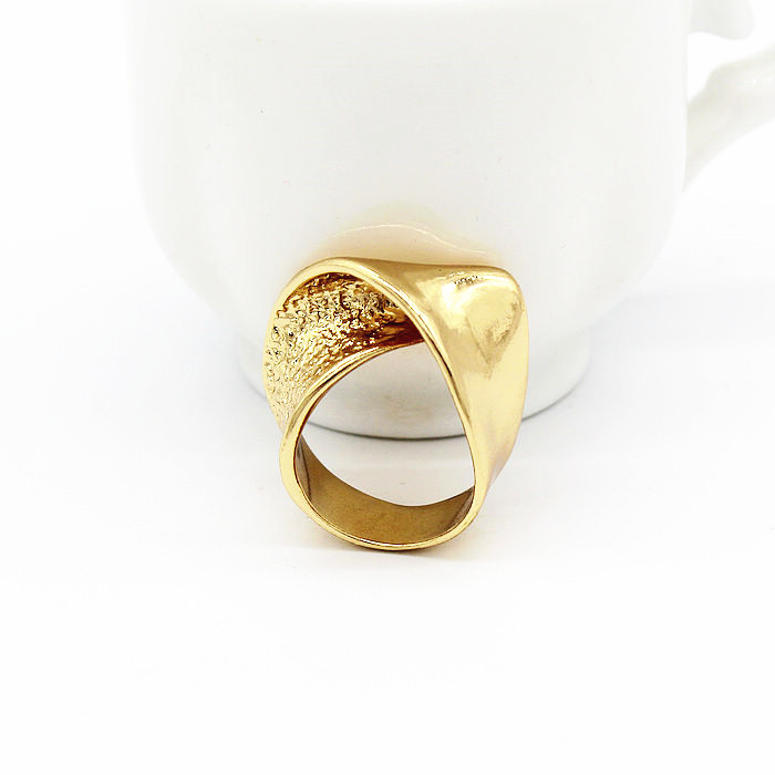 2018 New Intersect Distorted irregular Vogue Ring Womens For Gift Birthday Charm For Girlfriend Golden Ring High Quality