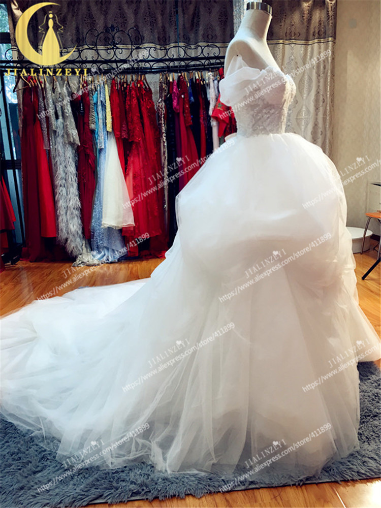 JIALINZEYI Hot Sale Boat Neck Sexy Lace Pengpeng Long Trian New Summer Lace Flowers Wedding Dresses