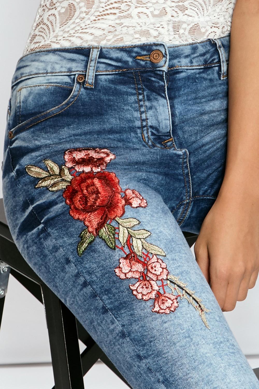 HTB1MO1cRVXXXXXIapXXq6xXFXXXM - FREE SHIPPING 3 Colors Women Flower Embroidery Hole Jeans High Waist Pencil Pants Skinny Denim Trousers JKP295