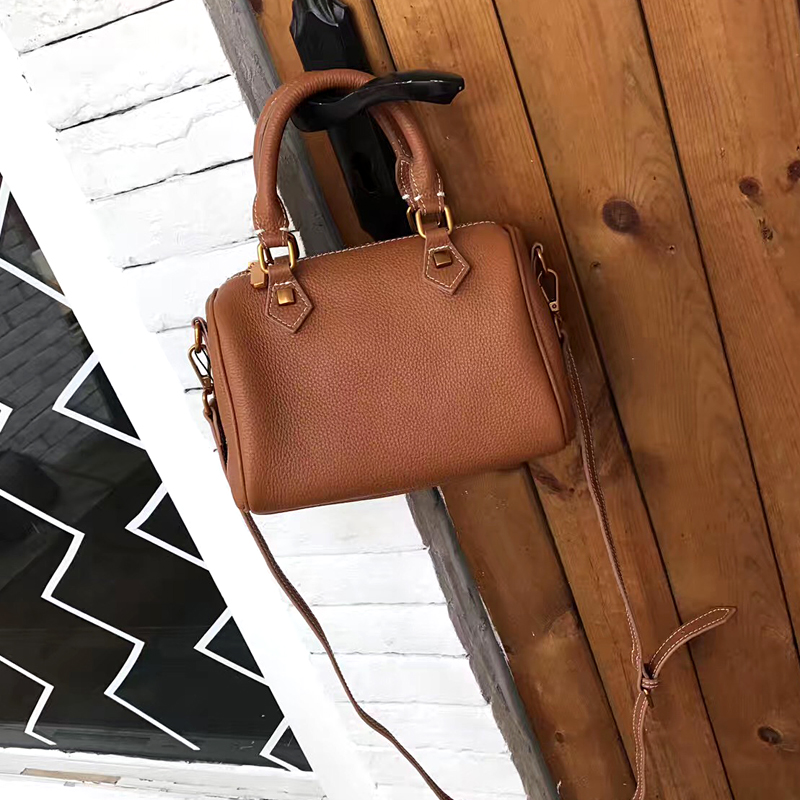 [Hely Coptar] High Quality Designer Women Bags Real Cow Leather Soft Vintage Mental Boston Handbag Luxury 2017New Crossbody the new high quality imported green cowboy training cow matador thrilling backdrop of competitive entrance papeles