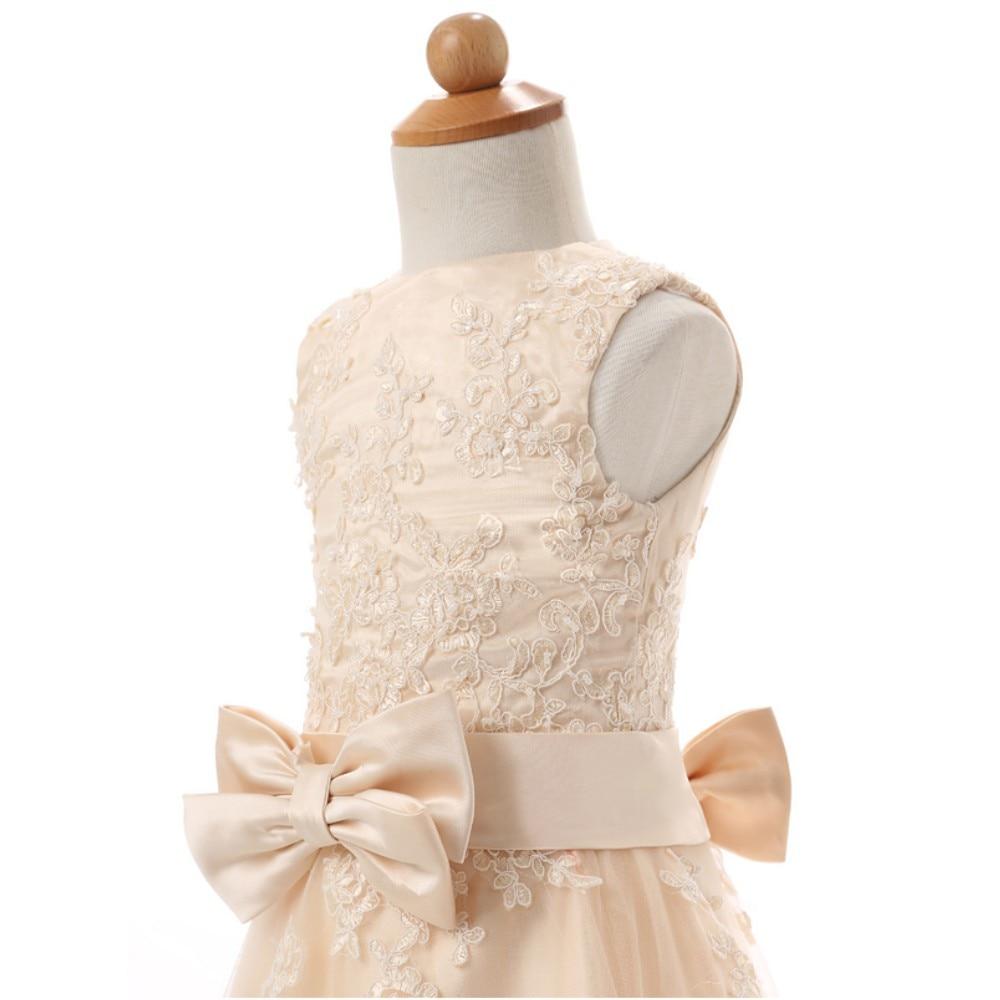 ac817e2acf 2018 New Scoop Lace A-Line Flower Girl Dresses with Appliques Bow Organza  Princess Pageant Gown Vestidos De Comunion L52