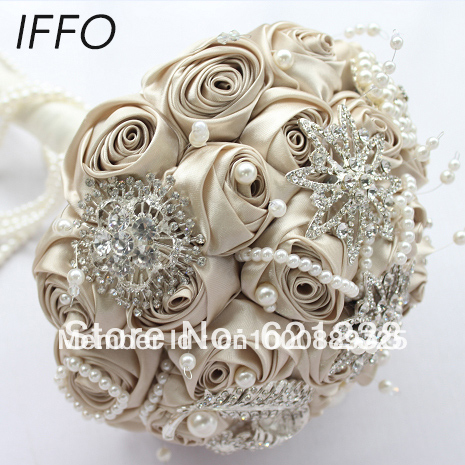 Holding champagne wedding flower brooch bouquet includes a bridegroom boutonniere wrist flowers