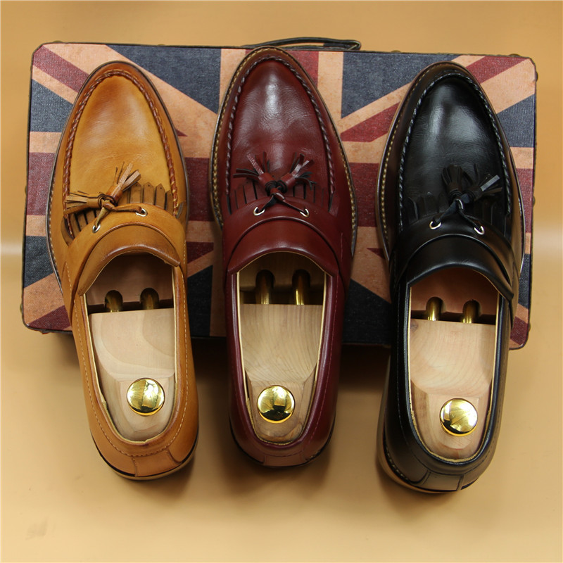 New Trend Men Fashion Tassel Decorated Leather Loafers British Style Vintage Slip On Leather Moccasins Flats Men Oxford Shoes