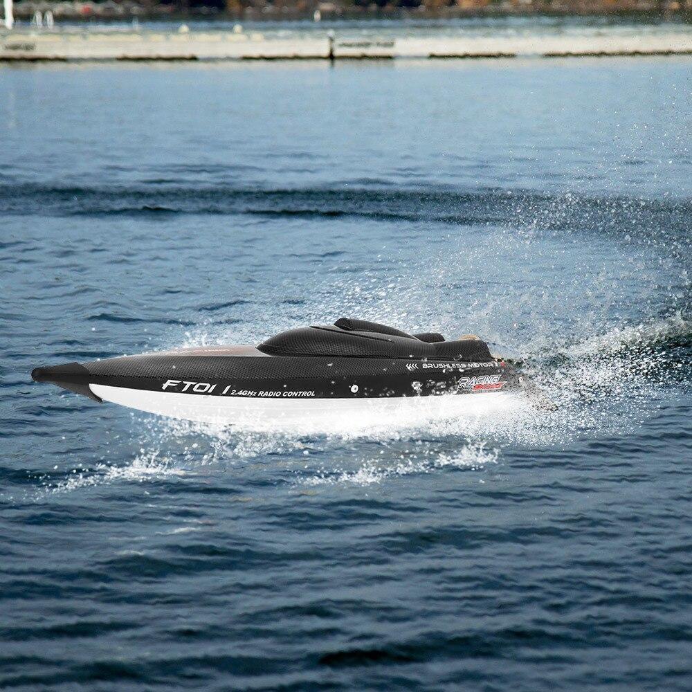 Feilun FT011 2.4G 55 km/h bateau de course à grande vitesse RC bateau avec refroidissement par eau auto-redressement fonction bateau hors-bord jouets