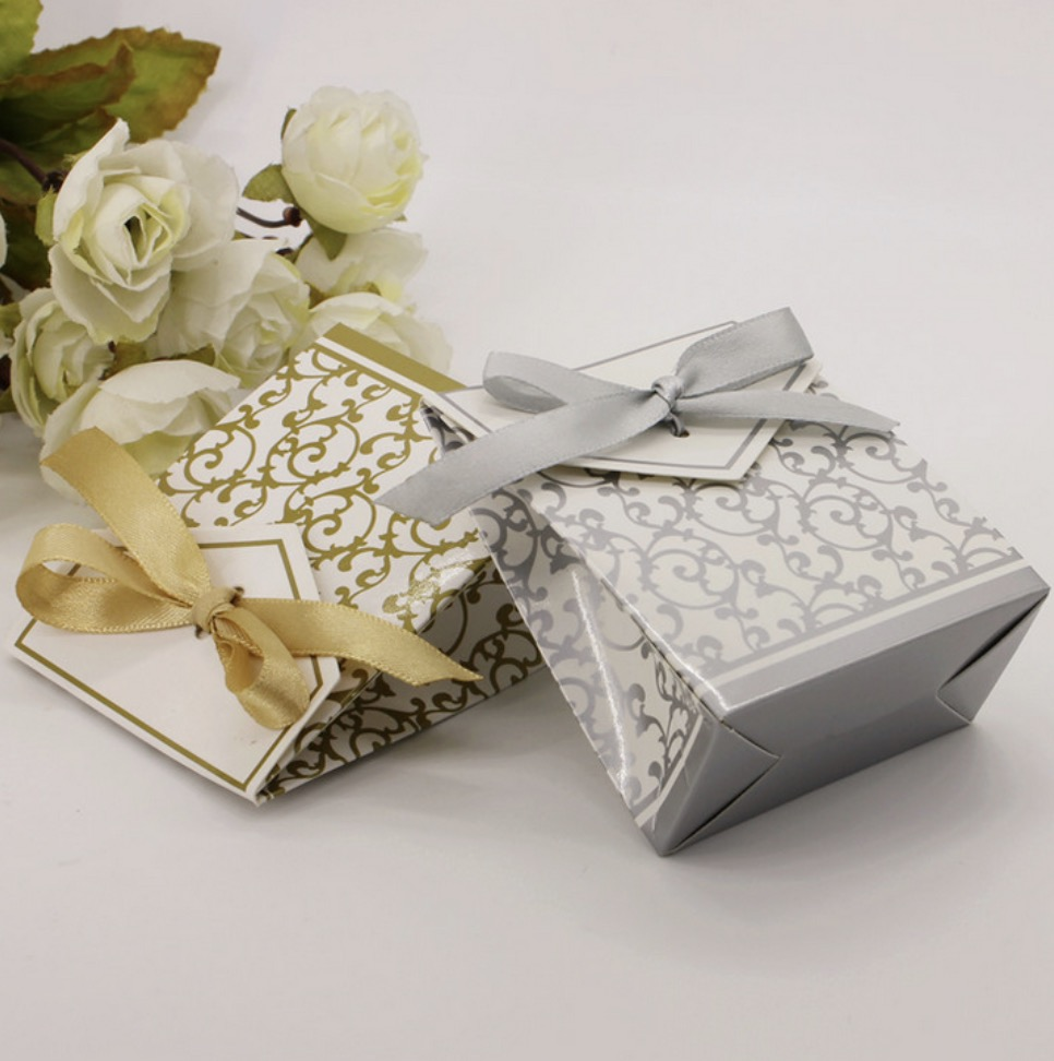 100pcs European Style Gold / Silver Wedding Favors Candy Boxes ...