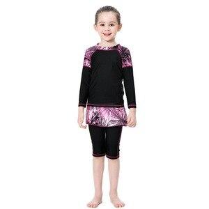 Image 2 - Милый исламский купальный костюм для девочек, купальник с длинными рукавами, детский купальный костюм с плиссированной юбкой, купальник с полубрюками, 2020