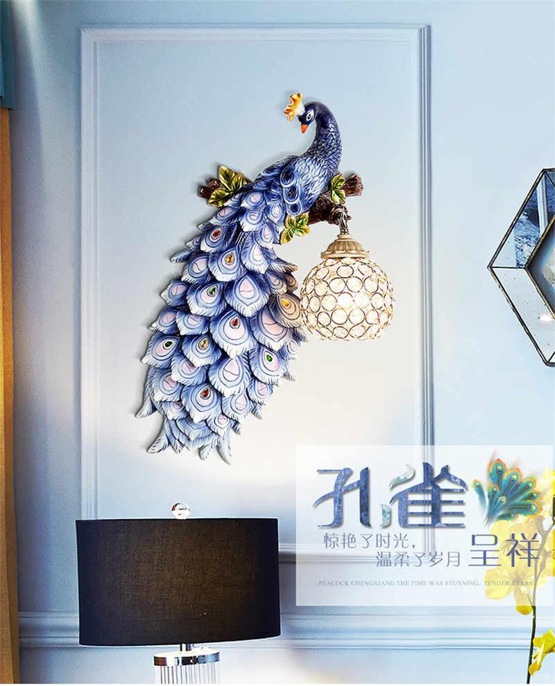 مصباح جداري كلاسيكي كريستالي LED مصباح جداري عصري على شكل طاووس كريستالي مصباح جداري لغرفة النوم بجانب السرير غرفة المعيشة خلفية تلفزيون