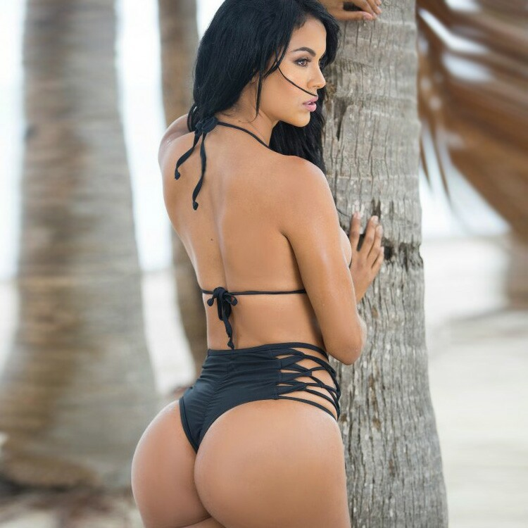 Nude lesbian black