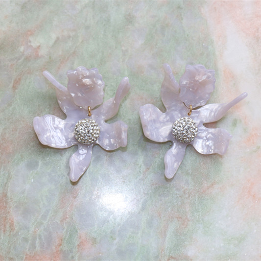 Free shipping Free shipping exaggerated flower resin earrings