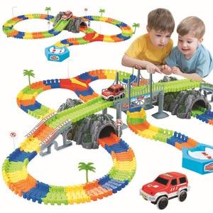 Image 1 - Assemblare FAI DA TE ferroviaria strada pista flessibile giocattoli ferrovia flex race tracks set 96/144/192/240PCS vagoni ferroviari giocattoli regalo per i bambini