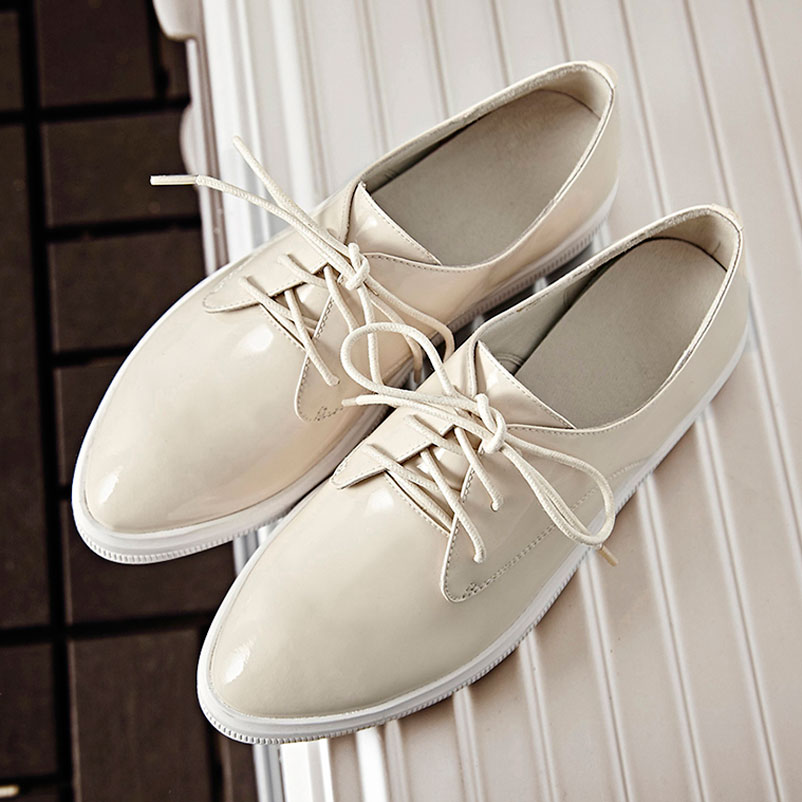 ФОТО 2016 Casual Shoes Woman Genuine Patent Leather Loafers Women Luxury Flat Shoes Beige Color Woman Famous Loafers For Women