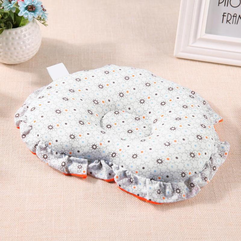 Newborn Baby Shaping Pillow Heart-shaped Cute Bedding Pillows Prevent Flat Head Sleeping Positioner Baby Room Decoration