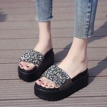 купить Rhinestone Women Slippers Flip Flops Summer Slides Women Shoes Crystal Diamond Bling Beach Slides Sandals Casual Shoes Slip On по цене 1189.25 рублей