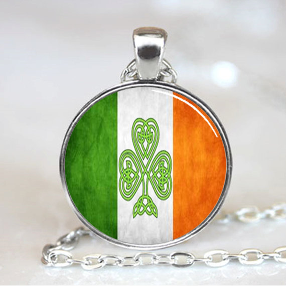 1 Pieces Lot 2015 New Arrival Handmade Irish Flag Pendant Shamrock Irish Flag Necklace