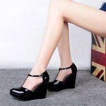 กลอนร้อนขายF Unkyสตรีสีดำลิ่มรองเท้าชิ้นเดียวแพลตฟอร์มรองเท้าส้นสูงหมูเซ็กซี่ผู้หญิงปั๊มเคลือบเงาข้อเท้าห่อ