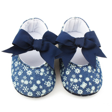 цена на Delebao Elegant Pure Color PU Baby Shoes New Soft Sole Slip-on Princess Toddlers Shoes Butterfly-knot First Walkers Whole sale