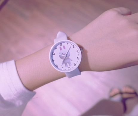 773361bb44b 2017 Crianças Assistir Crianças Assistem Moda Casual Bonito cores Doces  relógios de Pulso de Quartzo Meninas relógio sillicone em Mulheres Relógios  de ...