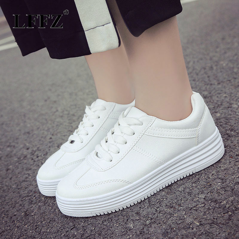 Lzzf 2018 Korean Fashion Casual Spring Womens Flat Platform Shoes White Sneakers Solid Leather Shoes Woman Tenis Zapatos Mujer ym 2018 eu 35 40 spring autumn new fashion casual bow tie womens flat shoes woman shallow peas shoes ladies girls zapatos mujer