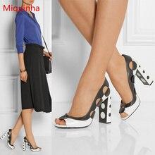 Puntos en Blanco Y Negro Decoración de la manera Del Alto Talón de Las Mujeres Se Deslizan En bombas de Zapatos de Boda Peep Toe Sexy Zapatos de La Señora Vestido de Fiesta de La Pista
