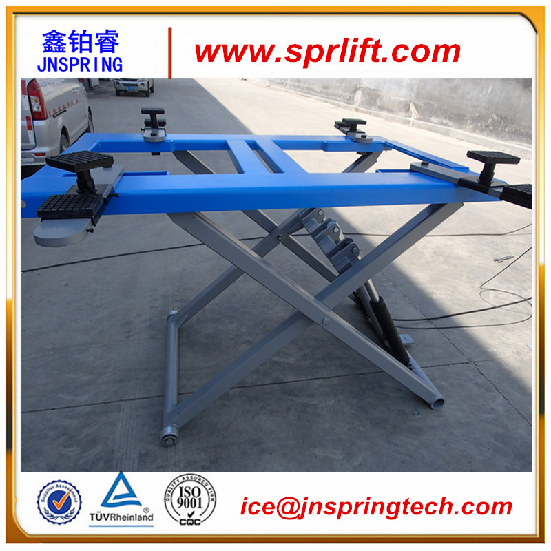 Small Portable Scissor Car Lift For Home Garage Load