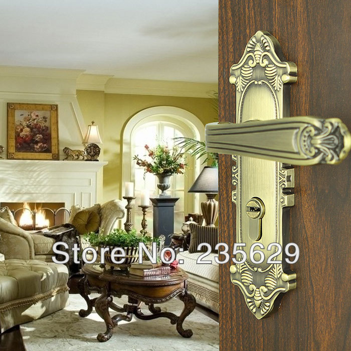 цена Free Shipping, Bedroom, Bathroom, Kitchen Door Lock, Antique Copper finished lock, 35-45mm door thickness,double bolts, 3 keys