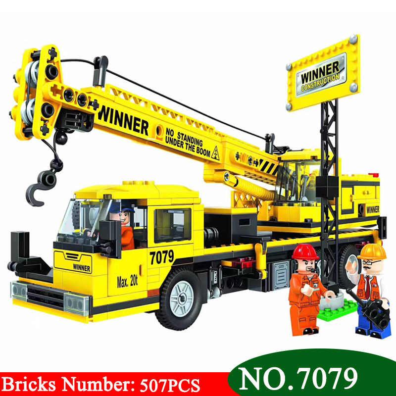 Pemenang 7079 Kota Tim Konstruksi Crane Bangunan Blok Set Batu Bata DIY Model Pendidikan Anak-anak Hadiah Natal Mainan untuk Anak-anak