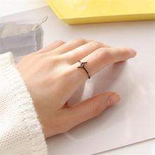 Женское кольцо из серебра 925 пробы с черными ветками дерева
