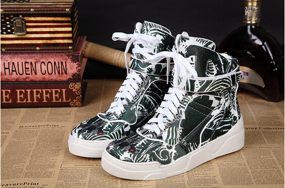 43e76a8c14c3 Top Brand Designer Green Floral Print Men Sneakers Velcro Zapatos Hombre  Plus Size Men Shoes High Top Sneakers Fashion Huarache