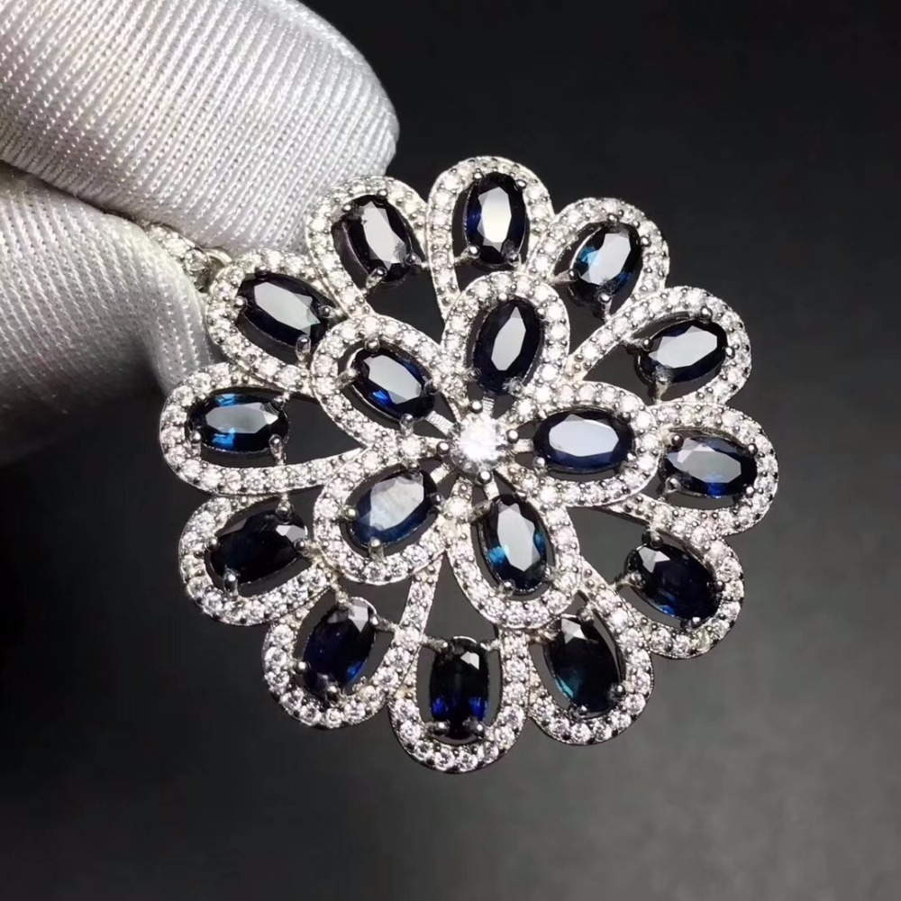 Luxurious atmosphere, natural sapphire necklace, blue gemstone, 925 silver, the latest design leads the world jewelry trend.Luxurious atmosphere, natural sapphire necklace, blue gemstone, 925 silver, the latest design leads the world jewelry trend.