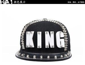 Image 4 - Płyta akrylowa Spike ćwieki nit KING czapka z daszkiem kobiety i mężczyźni uliczny punk Rock Hiphop czapki z daszkiem