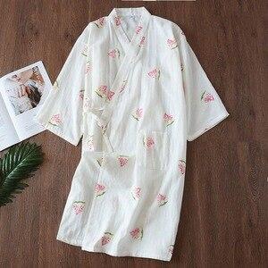 Image 3 - Novo fresco flores quimono roupões de banho das mulheres verão japonês 100% gaze algodão fino casual feminino roupão de noite