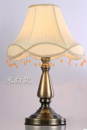 Лампы Настольная лампа модная антикварная ткань деревенская спальня прикроватная лампа